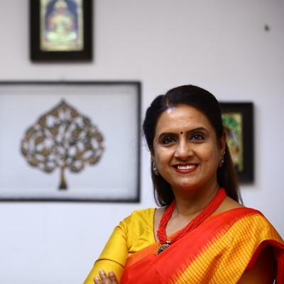 Dr Saundarya Rajesh